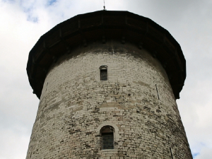 Rouen::Visita y grabación de los lugares donde fue encarcelada y procesada, lugar de su muerte. Grabación de la catedral.